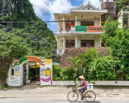 Are you going to travel in Vietnam soon? check out the list of this vietnam hostel list to find the best hostels in Hanoi, best hostel in Sapa, best hostel in Phong Nha, best hostel in Hue, best hostel in Hoi an, best hostel in Nha Trang, best hostel in Mui Ne and best hostel in Ho Chi Minh. From party hostels in Vietnam to homestays in Vietnam.