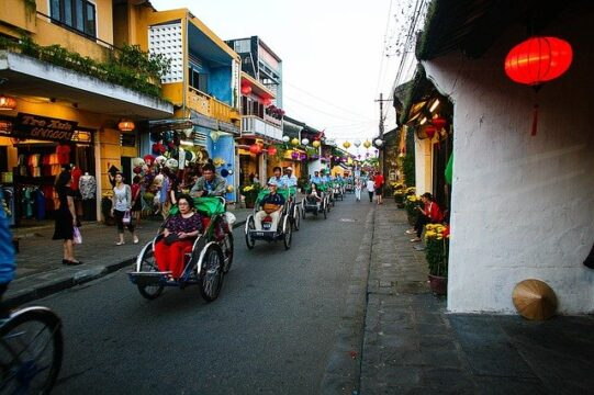 AFFORDABLE VIETNAM MOTORBIKE TOURS