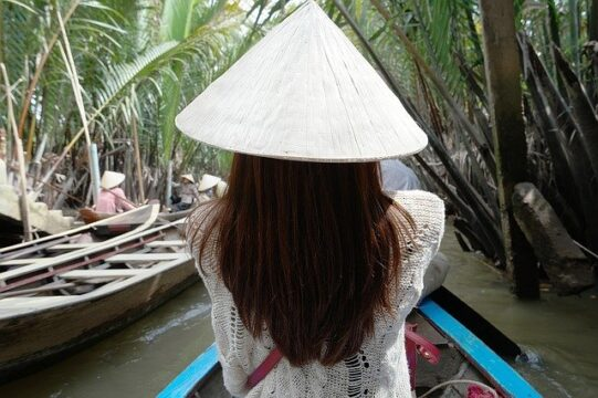 backpacking in vietnam travel cost and budget