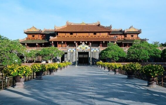 HOW TO GET TO HOI AN TO HUE AND HUE TO HOI AN BY Bus, Taxi, Motorbike, And Grab