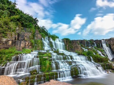 HOW TO GET TO DALAT - From North or South of Vietnam by Bus, Plane, Motorbike